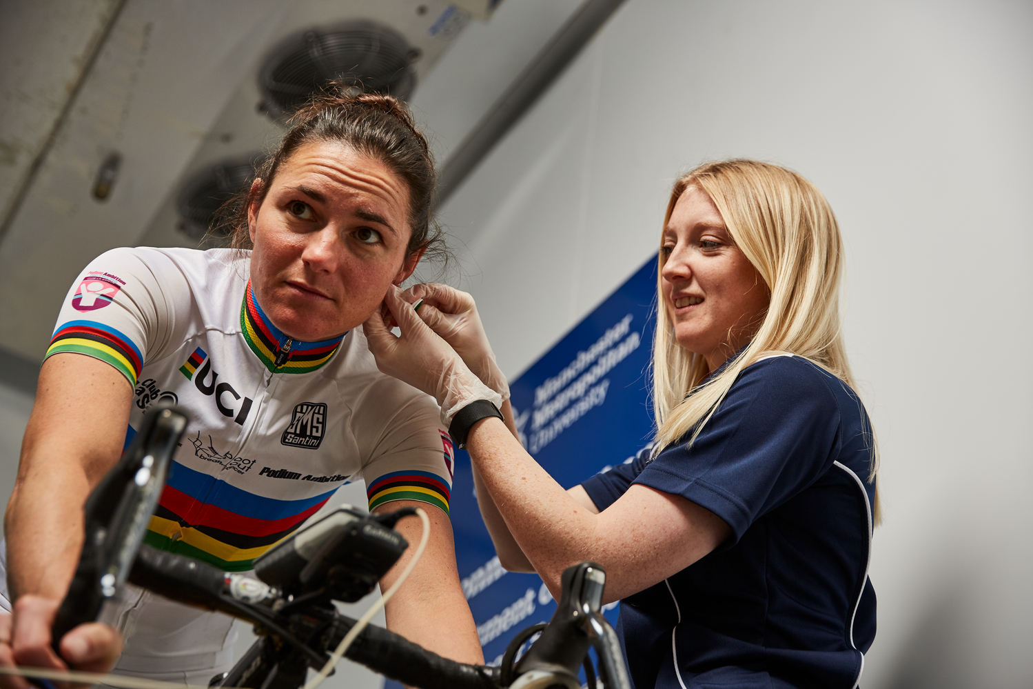 Dame Sarah Storey with Dr Georgina Stebbings in the environment chamber